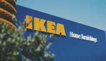 Newsjacking_marketing_Ikea_sedie_esempio
